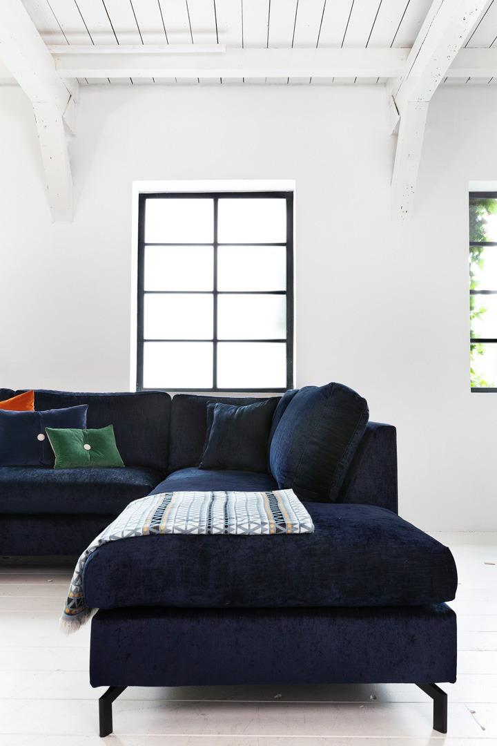 Romantic-paris-longchair-hoekbank-detailfto-blauw-stof