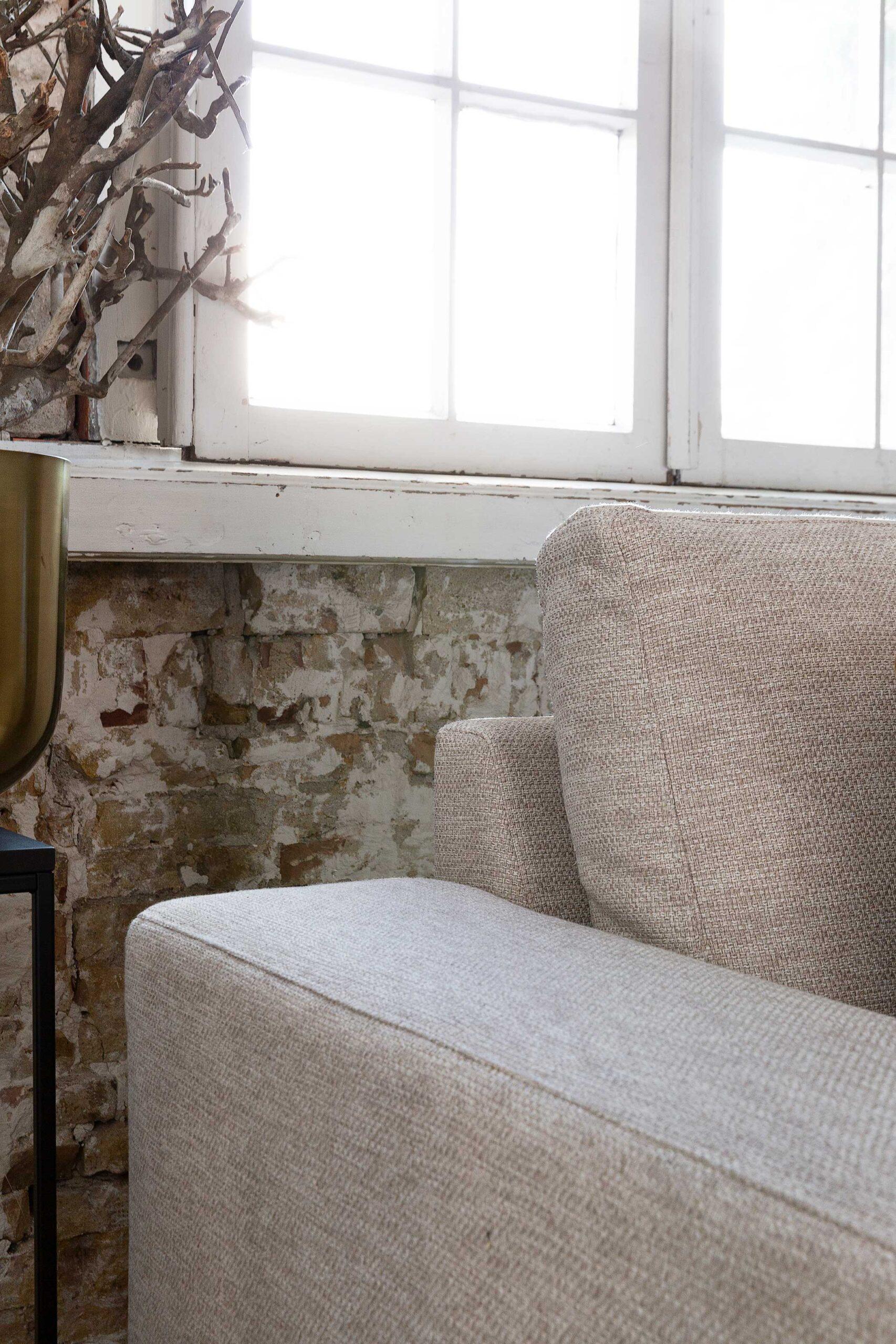 bella-milano-bankstel-detailfoto-armleuning-soofs-interieur