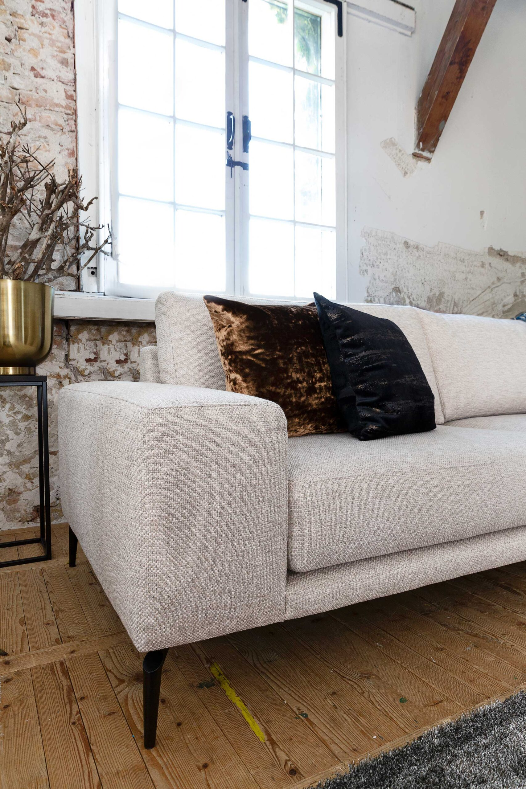 bella-milano-detailfoto-italiaans-ontwerp-armleuning-soofs-interieur