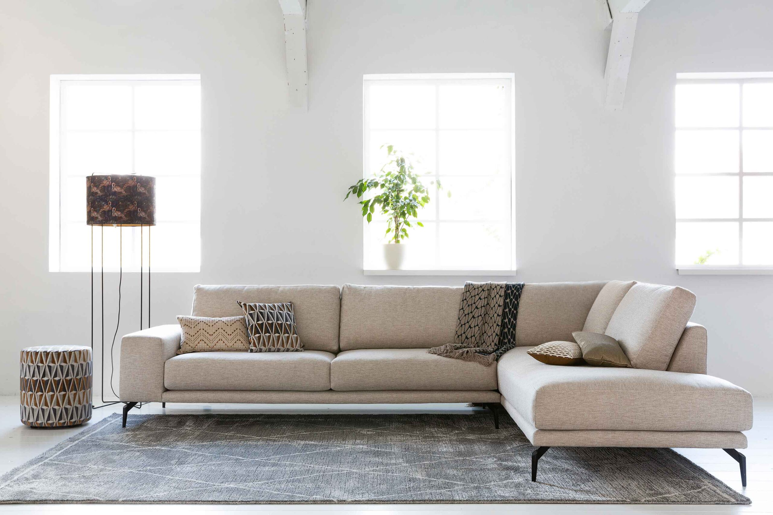 bella-milano-hoekbank-ottoman-strak-design-witte-grove-stof-soofs-interieur