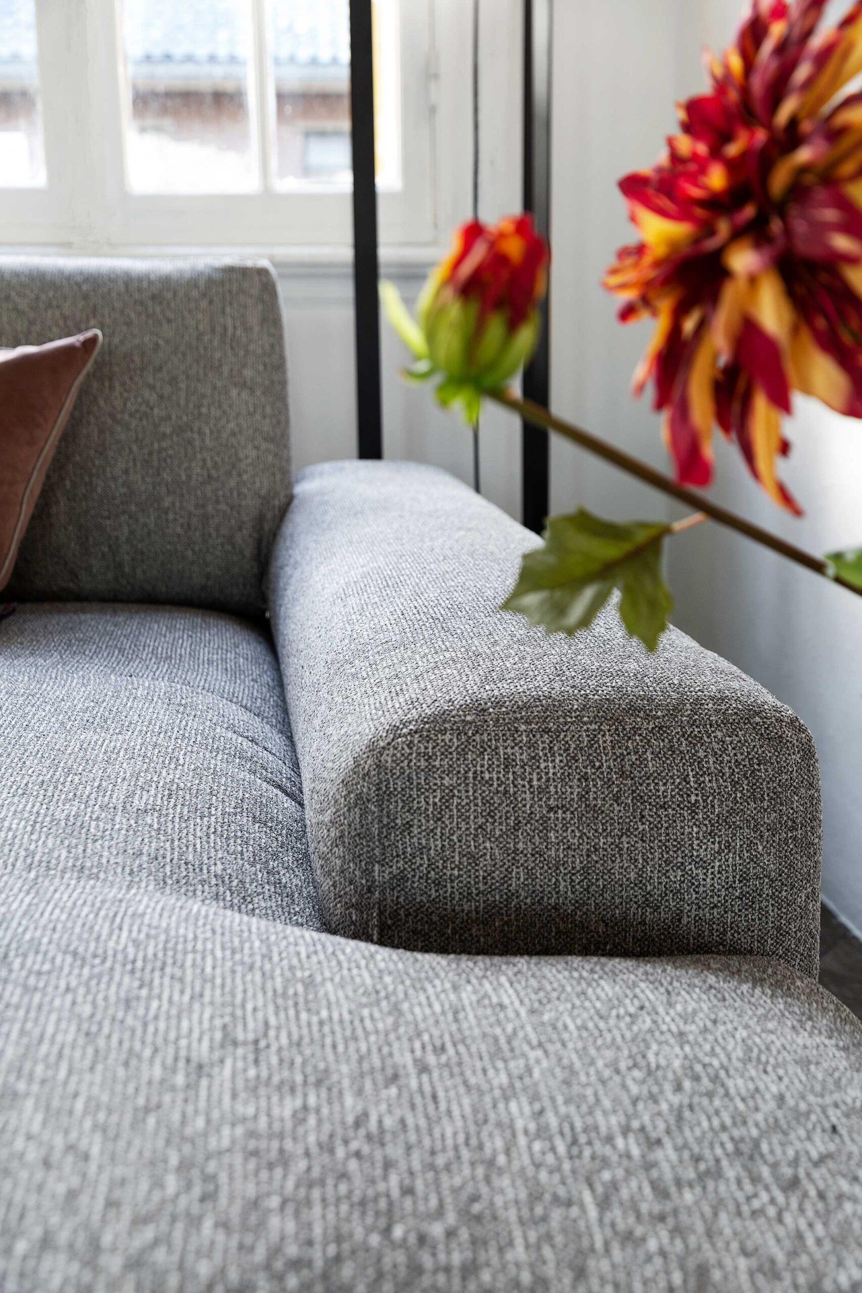 bella-milano-zitbank-diepe-longchair-soofs-interieur