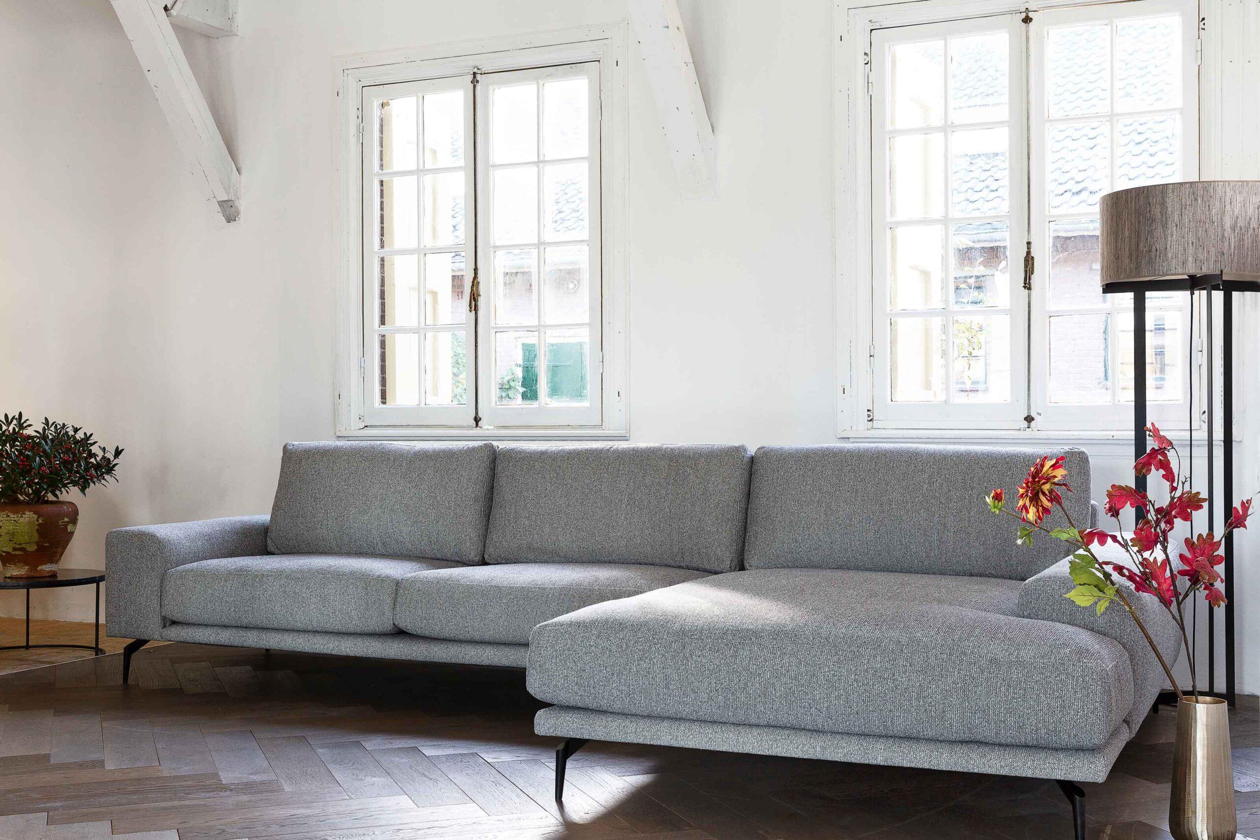 belle-milano-hoekbank-met-grote-en-breede-longchair-soofs-interieur
