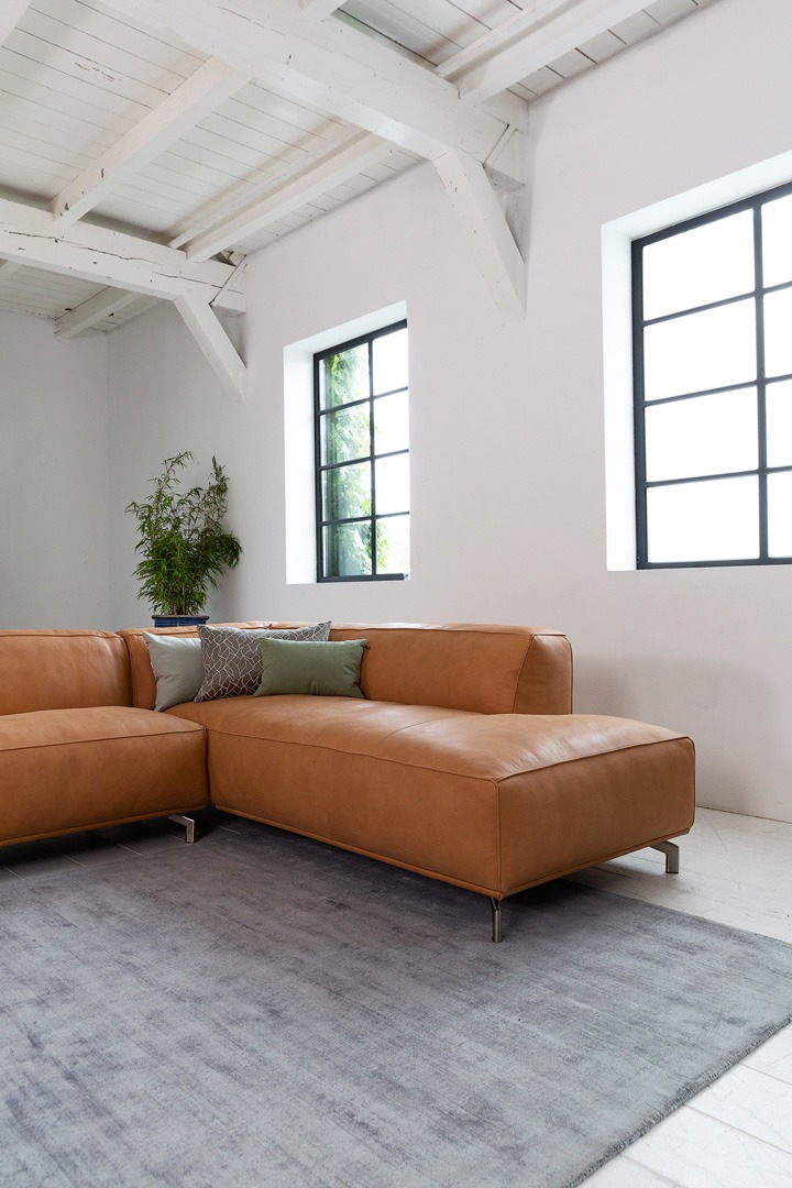chill-ibiza-congac-hoekbank-leer-ottoman-soofs-interieur (1)
