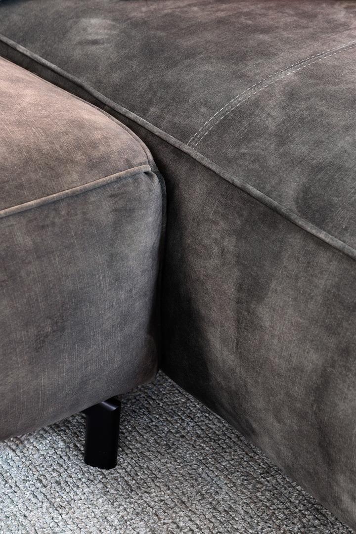 chill-ibiza-detail-foto-stof-grijs-soofs-interieur (1)