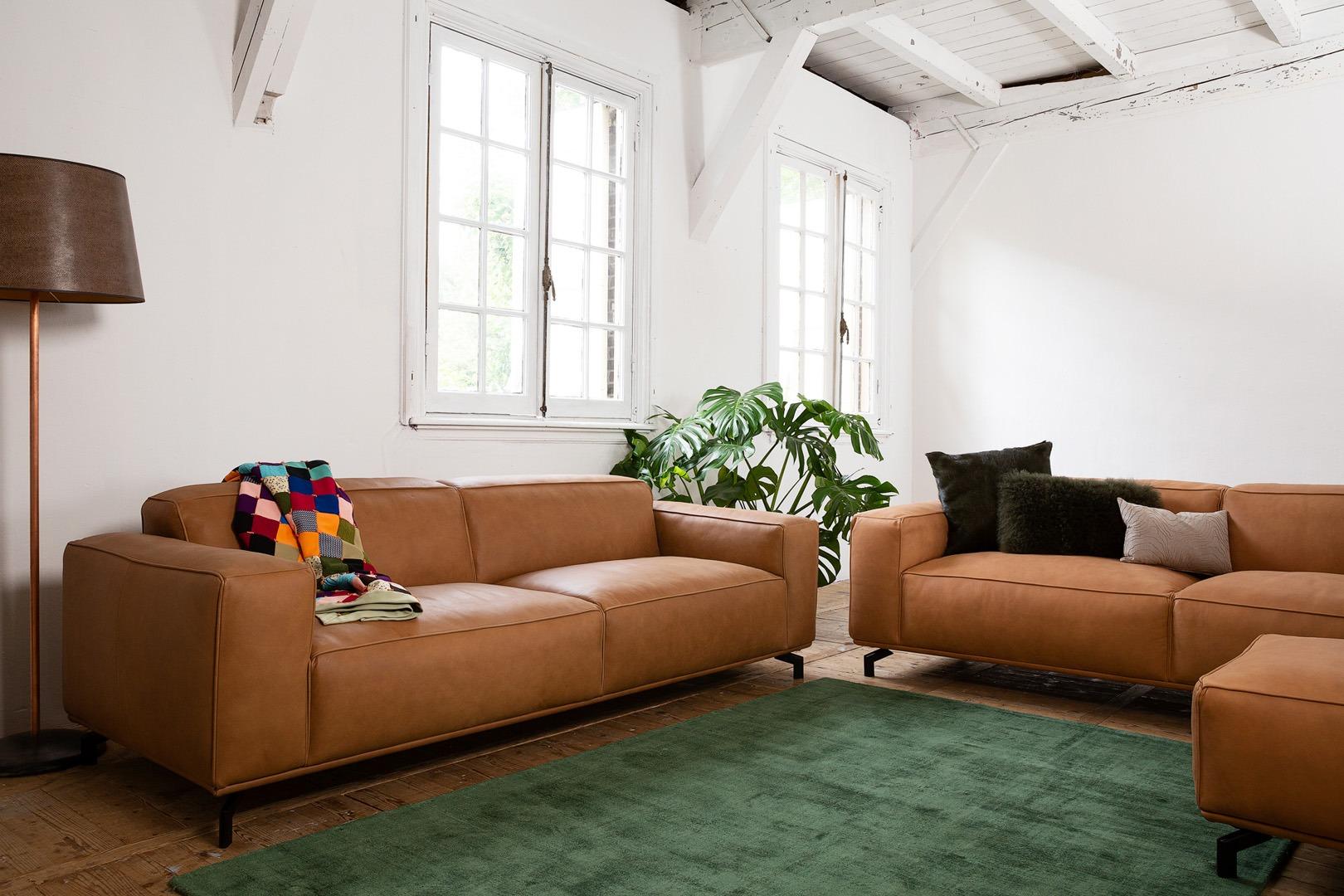 chill-ibiza-leren-congac-banken-soofs-interieur (1)