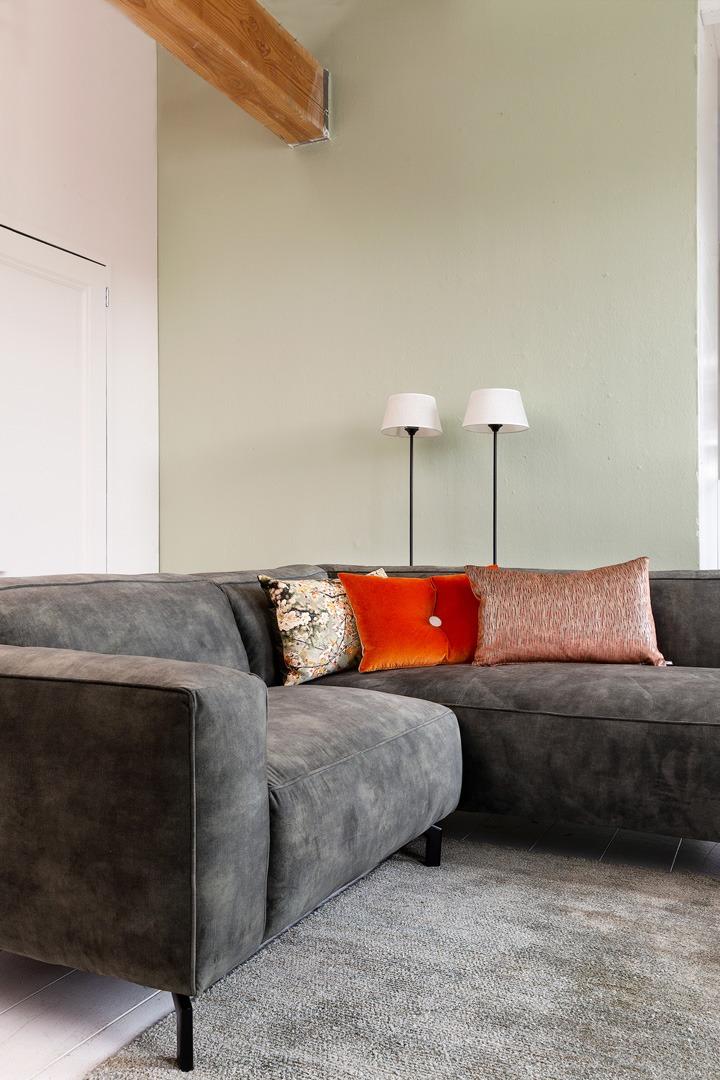 chill-ibiza-met-longchair-grijs-stof-soofs-interieur. (1)