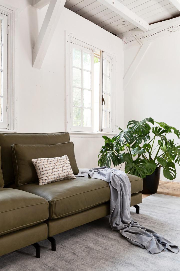 sweet-portobello-groen-leer-ottoman-terminal-detail-soofs-interieur (1)