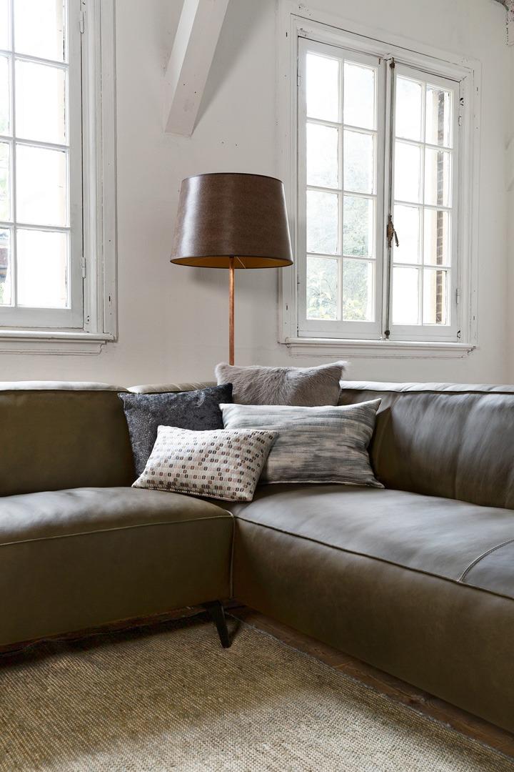 vino-piemonte-hoek-bank-ottoman-groen-leer-soofs-interieur (1)
