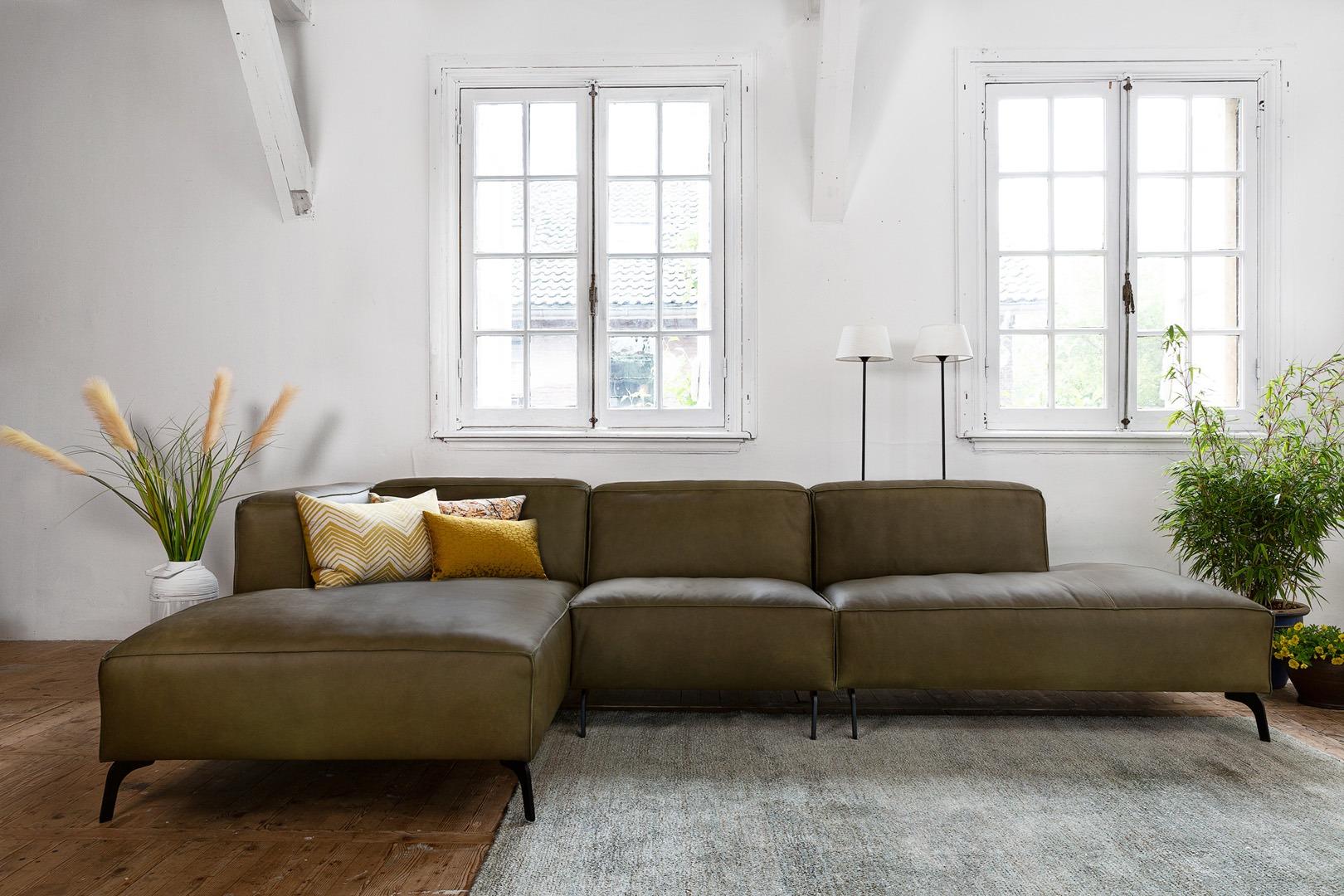 vino-piemonte-ottoman-terminal-met-longchair-hoekbnak-groen-leer-soofs-interieur (1)