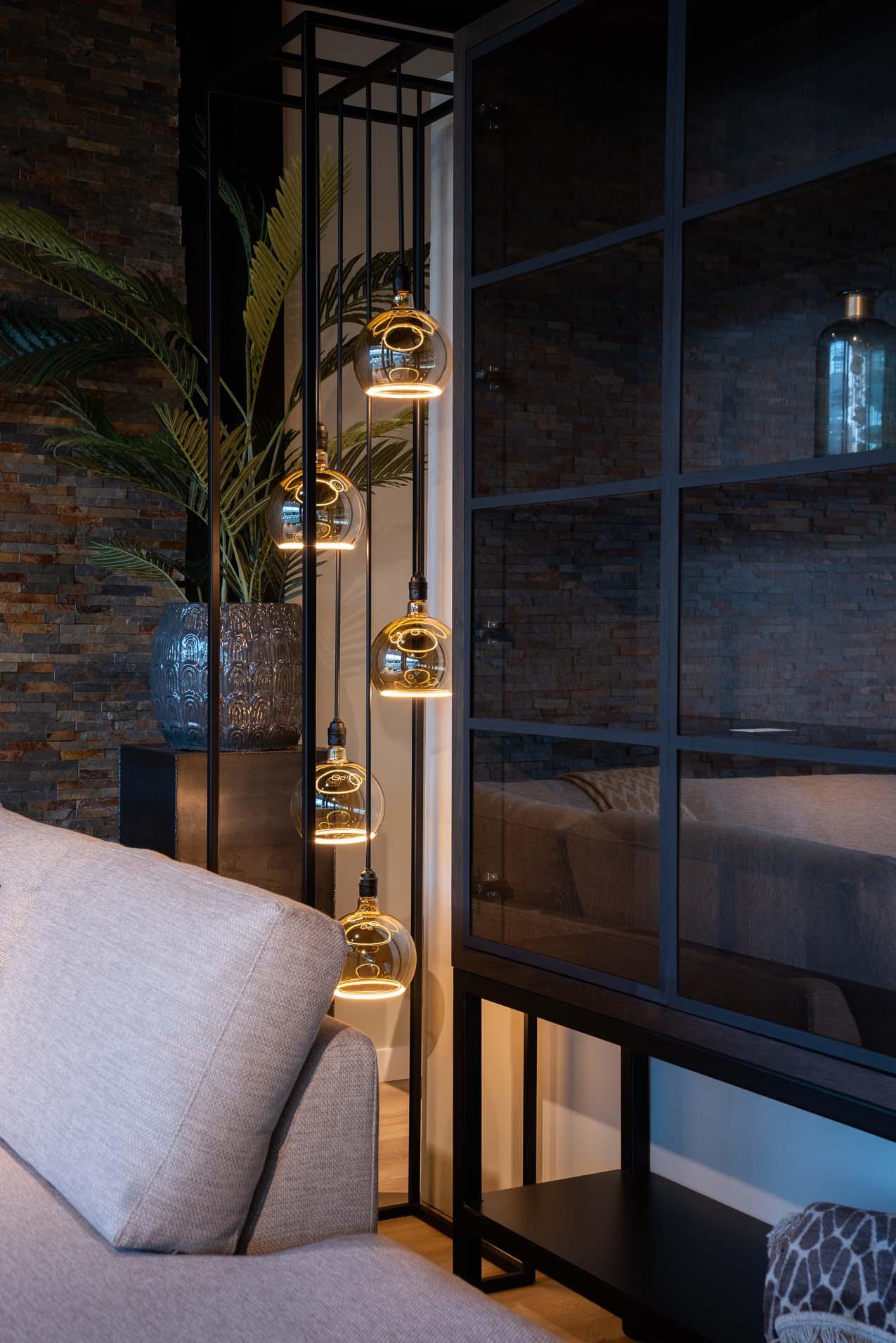 bella milano detailfoto met verlichting soofs interieur