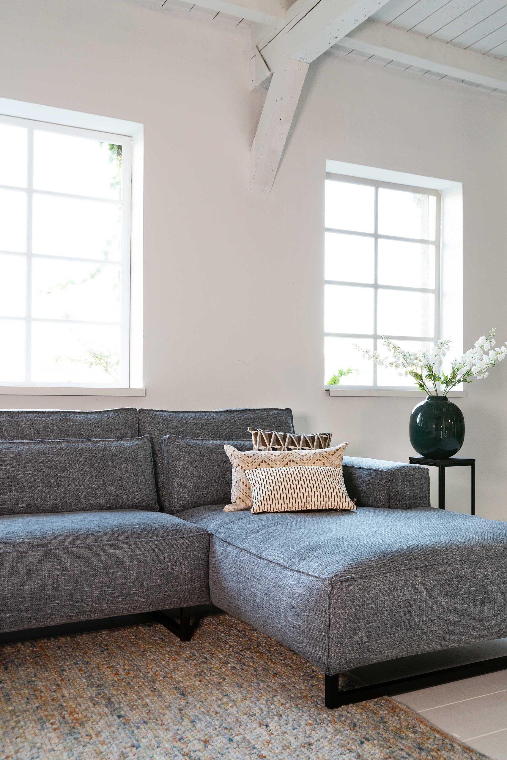 vivre-de-provence-bank-detail-longchair-grijs-soofs-interieur