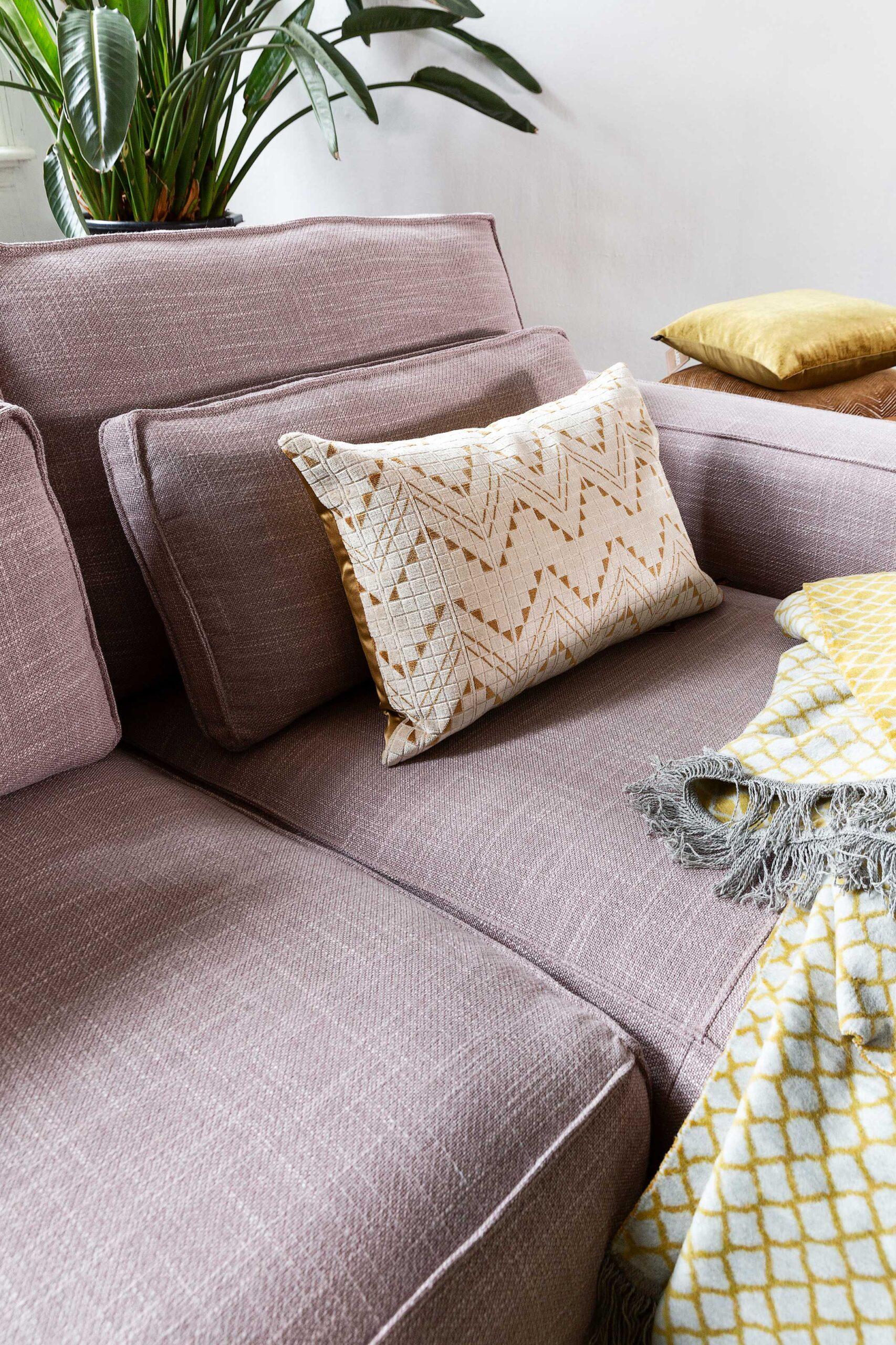 vivre-de-provence-bank-detail-longchair-hoekbank-soofs-interieur