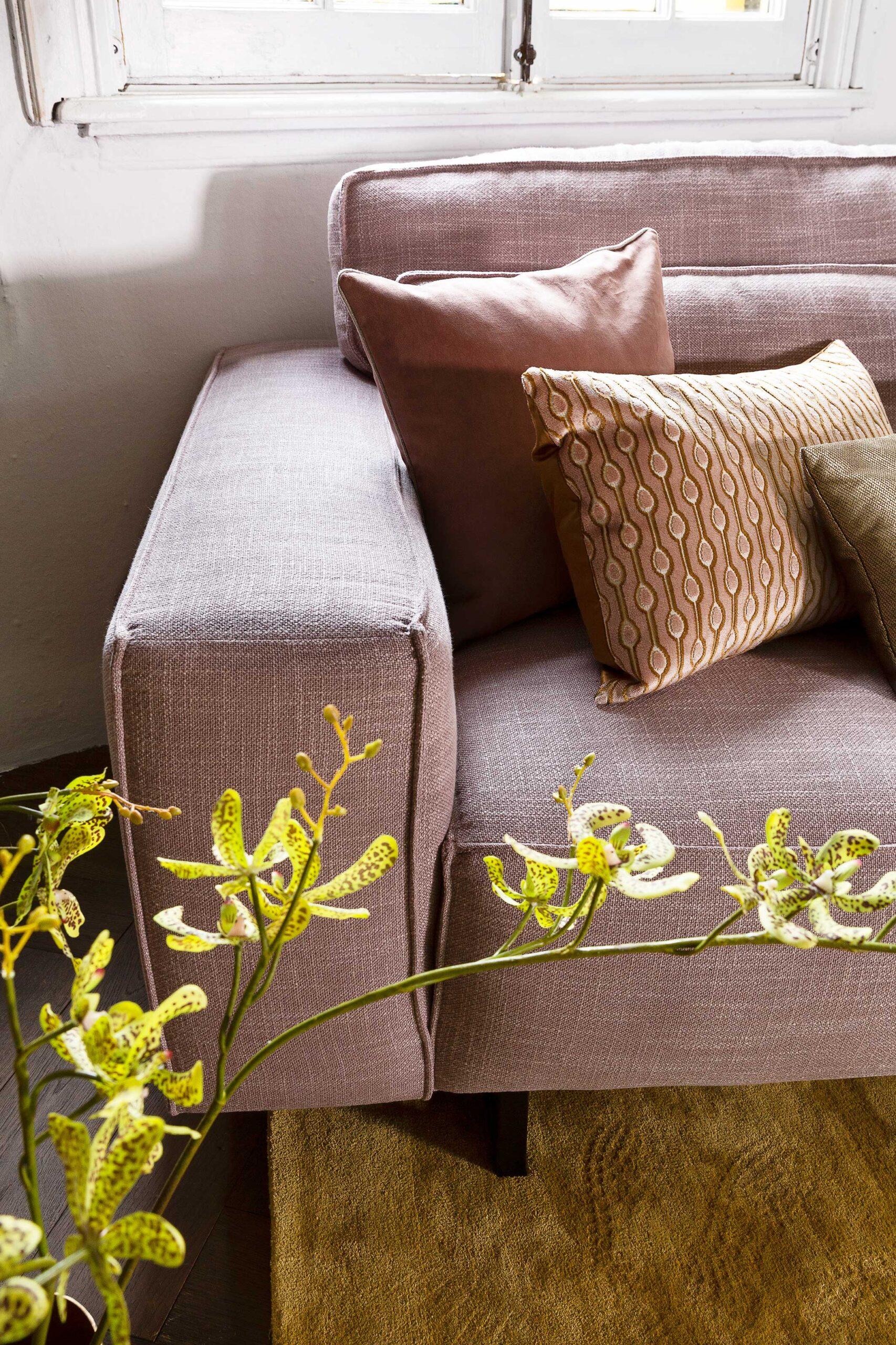 vivre-de-provence-hoekbank-detail-armleuning-soofs-interieur